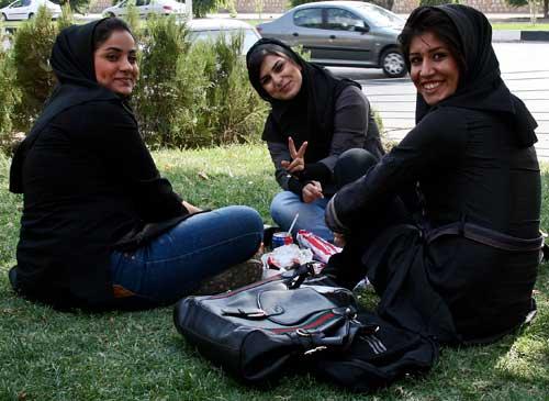 ragazze a shiraz