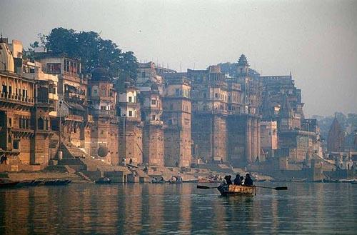 cittaVaranasi-fiume-Gange