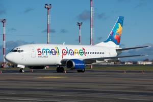 small-planet-airlines-boeing-7.31.big