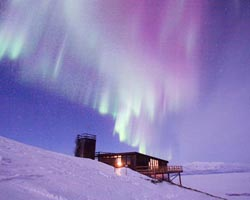 sveziahomeabisko-northern-lights2 jpg 2092326501
