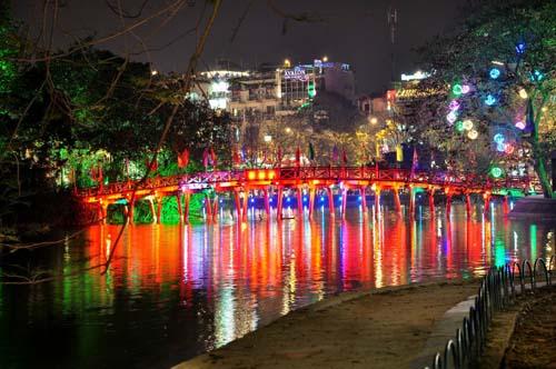zoodiaco Hanoi-ay-night