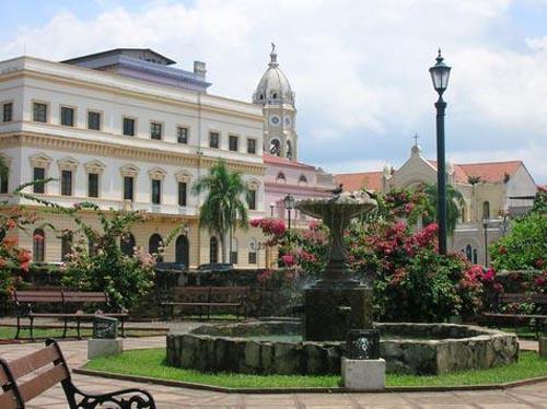 panama city-casco viejo main square