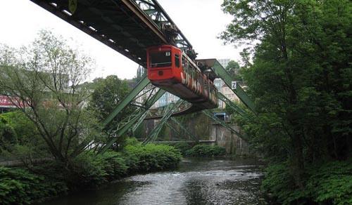 trasporto tram al contrario