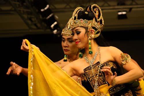 bali tesori indonesia luxury files danza