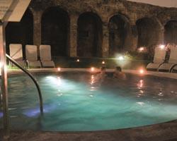 terme piscina notte home