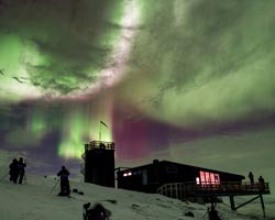 lapponialapponia  Skystation Abisko Lights Over Lapland foto Chad Blakley