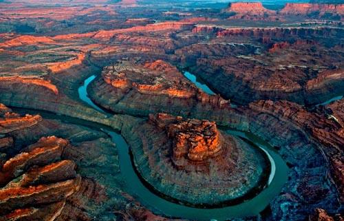 colorado-river-loop700x450