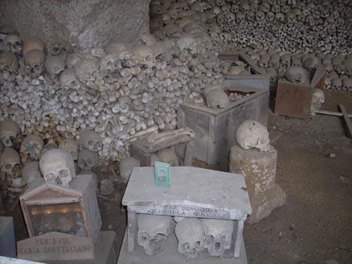 halloween Cimitero Le Fontanelle Napoli