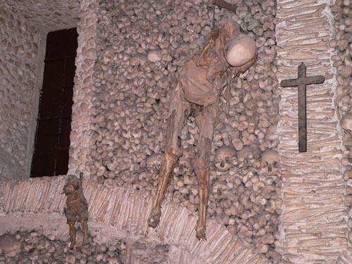 halloween portogallo Evora Capela dos ossos.630x420
