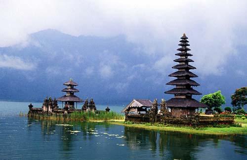 valentino Bali-Tempio-sullacqua - Copia