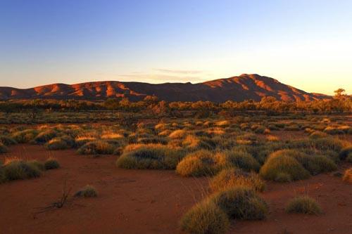 desert 4 australia-westmacdonnell-national-park-499432717